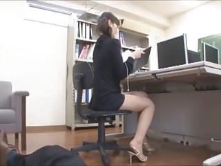 office descendant lets him..